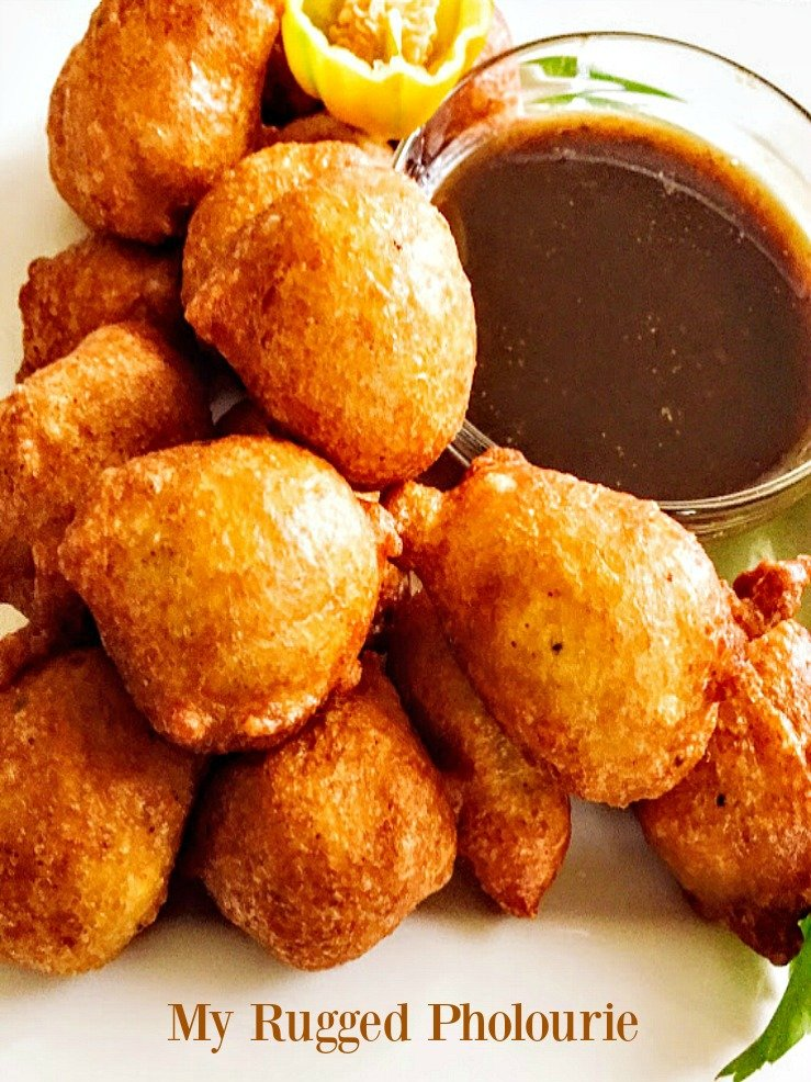 phoulorie and tamarind sauce for an appetizer, Trinidadian Pholourie - Very Rugged
