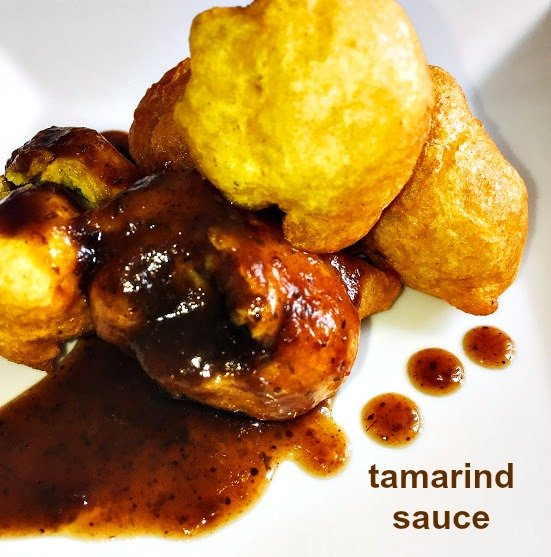 phoulorie and tamarind sauce for an appetizer