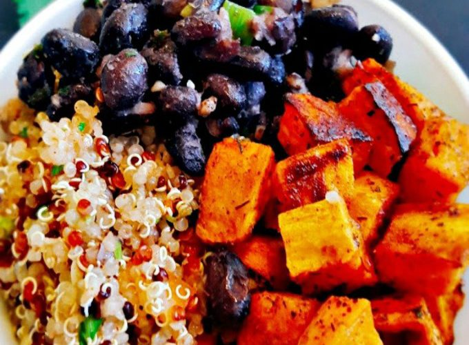Black-Bean-and-Sweet-Potato-Quinoa-Bowl-