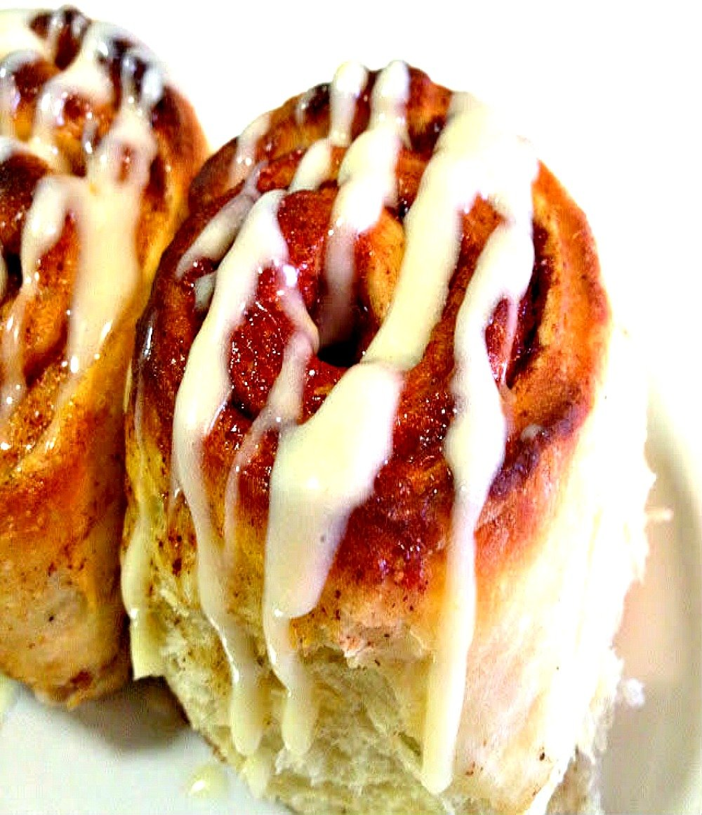 cinnamon-rolls-with-lemon-orange-glaze
